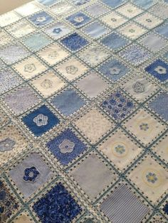 A denim-look combination of woven fabric and crochet (fusion crochet) . Fabric Crochet Quilt Source by enayylmazer grannie square and denim quilt - Yahoo Image Search Results This Pin was discovered by med High Tea crochet quilt: http:/ Crochet Fabric, Crochet Quilt, Crochet Squares, Crochet Home, Knit Crochet, Woven Fabric, Crochet Afghans, Crochet Stitches, Fabric Crafts