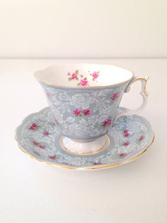 Vintage English Royal Albert Bone China Footed par MariasFarmhouse