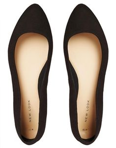 Black flats. A staple. Love the almond shape toe. A little more grown up (polished) than my current round toe flats.
