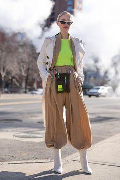 Women S Fashion Trends Womens Fashion Online, Latest Fashion For Women, Diane Von Furstenberg, Cool Street Fashion, Street Style, Marc Jacobs, Ralph Lauren, Outfit Trends, Ripped Denim