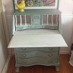 Vintage secretary desk painted in duck egg blue and pure white with annie sloan chalk paint. Desk Makeover, Secretary Desks, Chalk Painting, Duck Egg Blue, Annie Sloan Chalk Paint, Pure White, Vintage Green, Dyi, Furniture Ideas