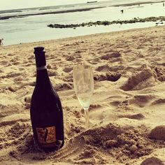 A #postcard from #Bali… #Fantinel #Prosecco #bottle #sparkling #wine #bubbles #relax #chillout #beach #sea #winelover #winetime #amazing #landscape #landscapephotography #travel #enjoy #picoftheday