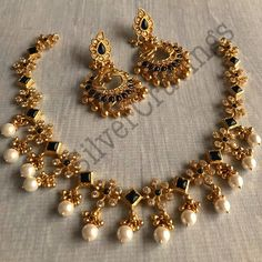 Jewelry Accessories Wedding Kemp and Pearl Necklace Set South India Jewels. Jewelry Accessories Wedding Kemp and Pearl Necklace Set South India Jewels Pearl Necklace Designs, Pearl Necklace Set, Jewelry Design Earrings, Gold Earrings Designs, Gold Jewellery Design, Simple Necklace Designs, Pearl Bracelets, Pearl Rings, Antique Necklace