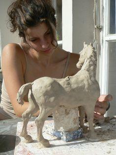 Terrific No Cost Ceramics sculpture animal Concepts : Frau und Pferd modellieren, Horse Sculpture, Animal Sculptures, Sculpture Cl Anatomy Sculpture, Pottery Sculpture, Horse Sculpture, Sculpture Clay, Animal Sculptures, Ceramic Studio, Ceramic Art, Outdoor Garden Statues, Sculpting Tutorials