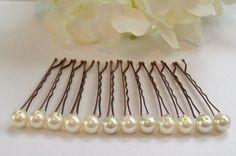 DIY pearl bobby pins... So cute!