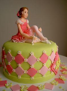 Bolo Bailarina by Ana Beatriz Carrard Torte Ballerina, Ballerina Birthday, Cupcakes, Cupcake Cakes, Pretty Cakes, Beautiful Cakes, Ballet Cakes, 13 Birthday Cake, Mom Cake
