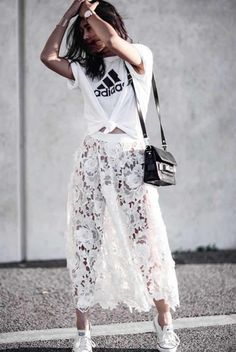A Knotted T-Shirt, a Midi Skirt, and Sneakers Petite Woman Should Try