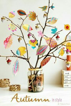 Inspiration - Bunte Herbstdeko selber machen *** Autumn Inspiration DIY with pai. Inspiration - Bunte Herbstdeko selber machen *** Autumn Inspiration DIY with Kids Crafts, Leaf Crafts, Fall Crafts For Kids, Diy For Kids, Diy And Crafts, Craft Projects, Arts And Crafts, Craft Ideas, Rock Crafts
