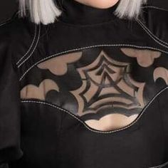 """Its Friday Freaks! Meet Madatops!! """"Im Madatops ask Maddii Booth! I am cosplayer from North wales and I have been cosplaying now for almost a year! 2b is my most recent and favourite yet. I am looking forward to be able to do more with my 2b cosplay and possibly get further with my cosplay career. At a later date go rouge and become A2! Down below are my links to my other social media theres many other cosplay shots Ive done such as poison ivy borderlands and even Lewds. Also for those who…"""