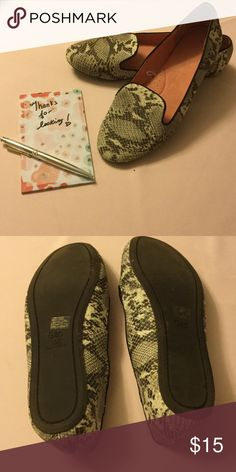 Gap Faux Snakeskin Flats Leather upper Rubber Soles Super Comfortable  Can be dressed up or down.  Only worn twice. GAP Shoes Flats & Loafers