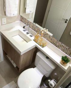 Último banheiro do ano com esse projeto moderno e elegante! Washroom Design, Bathroom Design Small, Bathroom Layout, Bathroom Interior Design, Modern Bathroom, Very Small Bathroom, Bathroom Accent Wall, Bathroom Accents, Rustic Farmhouse Decor
