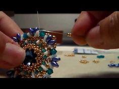 Tutorial ciondolo Glacial Blue - YouTube Beaded Earrings, Drop Earrings, Pendant Jewelry, Pendants, Brooch, Video Tutorials, Beads, Palace, Jewlery