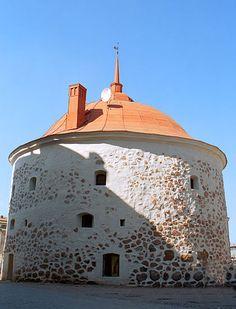 Brief history of the round tower, Vyborg.