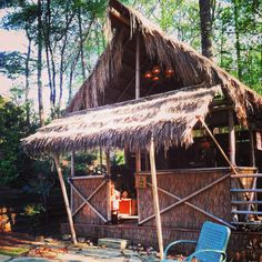 DIY plans on how to build your own Tiki Hut with by bamboo barn     $100