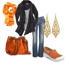This great outfit encompasses the colors of fall with the ultra-comfortable Volley Dansko @Dansko