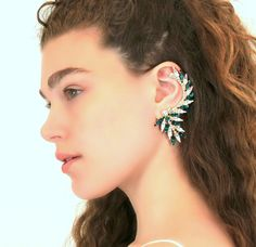 ❘❘❙❙❚❚ ON SALE ❚❚❙❙❘❘   Get a sparkly look with Our Signature Swarovski Crystal Elegant Ear Cuff, faceted for extra shine in a delicious variety of