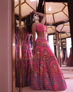 Glam Outfit Ideas for Indian Bridesmaids for every Ceremony Indian Wedding Gowns, Indian Bridal Outfits, Indian Bridal Lehenga, Indian Designer Outfits, Red Lehenga, Designer Dresses, Wedding Dresses, Dress Indian Style, Indian Dresses