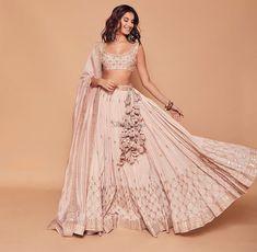 Pakistani Wedding Dresses, Pakistani Outfits, Indian Dresses, Pakistani Clothing, Wedding Hijab, Lakme Fashion Week, Abaya Fashion, Indian Fashion, Lehenga White