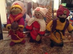 Knitted nativity 3 kings