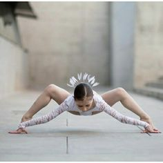 It's better to cross the line and suffer the consequences than to just stare at the line for the rest of your life. Dance Picture Poses, Dance Photo Shoot, Poses Photo, Dance Photos, Dance Pictures, Dance Moms, Dance Aesthetic, Foto Sport, Elliana Walmsley