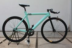 Leader 725 Seafoam green frame