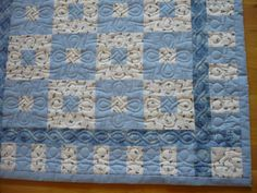 Blue and white baby quilt 100x130cm