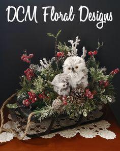 Christmas Centerpieces, Christmas Tree Decorations, Holiday Decor, Christmas Sled, Christmas Ideas, Fall Floral Arrangements, Antique Show, Owls, Florals