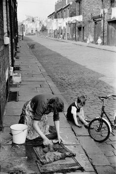 MARC RIBOUD (1923-2016) fotografo francés GB INGLATERRA. Leeds. 1954. 95d33a2a439