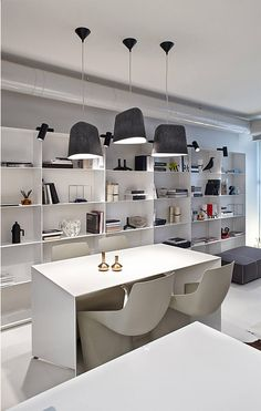 Choreographing a #Modern Black and White #Interior :: #AdorableHome
