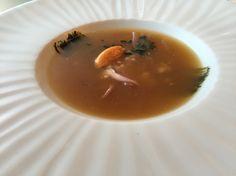 Tartar de calamar con sopa de pescado y fitoplancton marino 2