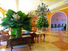 Tropical flower vases greet guests at the Charleston Santa Teresa's lobby in Cartagena de Indias, Colombia