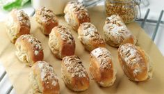 Brød med nødder og frugt | Familie Journal Pretzel Bites, Baked Potato, Potatoes, Baking, Ethnic Recipes, Potato, Bakken, Backen, Baked Potatoes