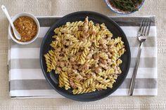 Te explicamos paso a paso, de manera sencilla, la elaboración de la receta de pasta con salsa melosa de mostaza y soja texturizada. Ingredientes, tiempo de...