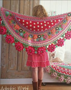 Interview with Crochet Artist Adinda Zoutman - Stola Stricken Art Au Crochet, Poncho Crochet, Crochet Shawls And Wraps, Freeform Crochet, Love Crochet, Crochet Scarves, Crochet Crafts, Crochet Clothes, Crochet Stitches