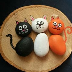 Paint craft with stone Stone Crafts, Rock Crafts, Diy Home Crafts, Fun Crafts, Crafts For Kids, Arts And Crafts, Pebble Painting, Pebble Art, Stone Painting