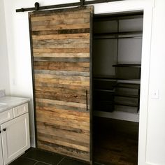 Need newer and more effective lawn furniture or java counter?, have a look at these pallet furnitureprojects and see the things you can build about virtually nothing! Pallet Door, Pallet Closet, Pallet Barn, Wooden Pallet Crafts, Wooden Pallets, Pallet Patio Furniture, Bedroom Furniture, Furniture Ideas, Recycled Pallets