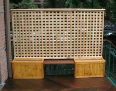 DIY Outdoor Privacy Screen Ideas It's good to have a beautiful backyard where you can have a quality time with your family & friends. Check out these DIY outdoor privacy screen ideas. Privacy Planter, Garden Privacy Screen, Privacy Fence Designs, Planter Bench, Fence Planters, Outdoor Privacy, Privacy Walls, Backyard Privacy, Planter Boxes