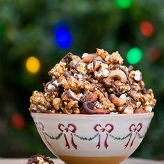 Reindeer Crunch by framedcooks: Ingredients 12 cups plain popped popcorn cups salted mixed nuts ½ cup butter 2 cups packed brown sugar ¼ cup light corn syrup ¼ teaspoon salt 1 teaspoon vanilla extr (Cool Food Gifts) Popcorn Recipes, Candy Recipes, Snack Recipes, Dessert Recipes, Popcorn Snacks, Moose Munch Popcorn Recipe, Cooking Popcorn, Christmas Snacks, Holiday Treats