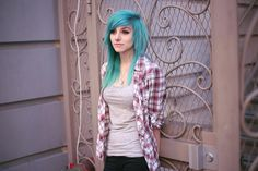 Alex Dorame, her current hair is amazing omg Emo Scene Hair, Emo Hair, Twist Braid Hairstyles, Cool Hairstyles, Twist Braids, Updo Hairstyle, Wedding Hairstyles, Diy Your Hair, Alex Dorame