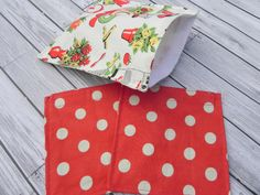 Set of 3 Reusable Lunch Bags  Fifties Kitchen by ChestnutDesigns, $12.00