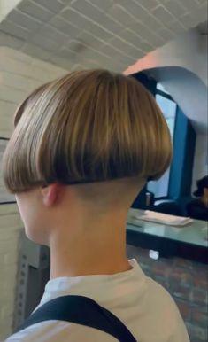 Short Bob Cuts, Short Hair Cuts, Short Hair Styles, Mushroom Haircut, Bowl Haircuts, Shaved Nape, Straight Bangs, Extreme Hair, Bowl Cut