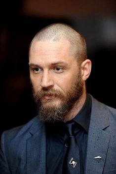 Well here are some Irresistible Bald Men with Beard. These are some Beard Styles with Shaved Head that you can try. Bald Men With Beards, Bald With Beard, Great Beards, Different Beard Styles, Long Beard Styles, Hair And Beard Styles, Tom Hardy Children, Tom Hardy Beard, Shaved Head With Beard