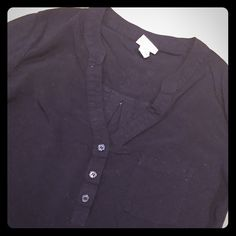(🍉 3/$20) Black Top with 3/4 Sleeve Good condition, worn a few times. Merona brand Xs. (All items with 🍉 3/$20 in the name are on sale to be bundled for $20! Just like the 3 items that you like and I will make a separate listing for you!) Merona Tops Blouses