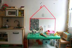 diy dollhouse, blogged at le emilie sans chichi