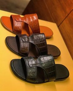 same old same old never change . Leather Slippers, Mens Slippers, Leather Sandals, Shoes Sandals, Sandalias Teva, Huarache, Velcro Shoes, Justin Boots, Comfortable Sandals