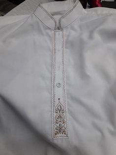 Mens Shalwar Kameez, Kurta Men, Hand Embroidery, Machine Embroidery, Embroidery Designs, Gents Kurta, Guayabera Shirt, Indian Groom Wear, Mens Kurta Designs