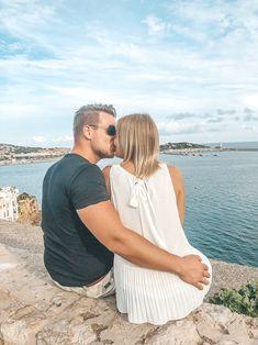 Ibiza im Oktober: So schön ist Ibiza in der Nebensaison - die Altstadt in Ibiza Halloween Fotos, Blog, Couple Photos, Couples, Beauty, Halloween Night, Mediterranean Style, Vacation Places, Old Town