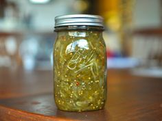 Sweet and Spicy Pickle Relish Recipe - A simple sweet-hot pickle and pepper relish for hot dogs and hamburgers. Spicy Pickles, Sweet Pickles, Canning Pickles, Quebec, Green Tomato Ketchup Recipe, Hamburger Relish Recipe, Green Tomato Chow Chow Recipe, Green Pepper Relish Recipe, Recipes