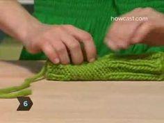 Luvas sem dedo - Vídeo em inglês - RECEITA EM PORTUGUÊS http://aprendendotrico.blogspot.com.br/2010/02/video-luvas-sem-dedos-fingerless-gloves.html