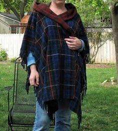 Resweater: Tutorial Tuesday - wool throw blanket to hooded poncho Hooded Poncho Pattern, Poncho Pattern Sewing, Fleece Poncho, Blanket Poncho, Wool Poncho, Hooded Blanket, Remake Clothes, Sewing Clothes, Diy Clothes
